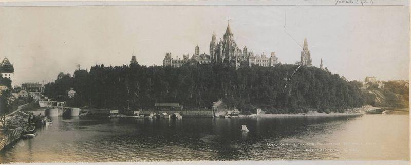 Parliament and locks (Copy 22830)