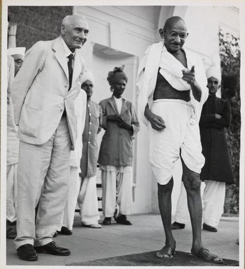 Gandhi standing beside Lord Pethick-Lawrence, Secretary of State for India