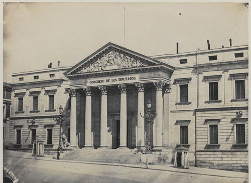 Photograph of the frontage and portico entrance of the Congreso de los Diputados