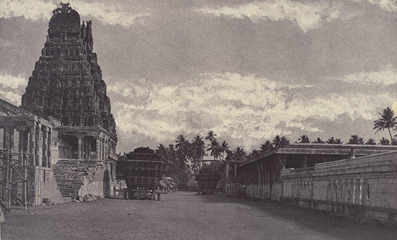 Linnaeus Tripe, Jambukeshvara Temple, Srirangam, 1858. British Library, Photo 950(8).