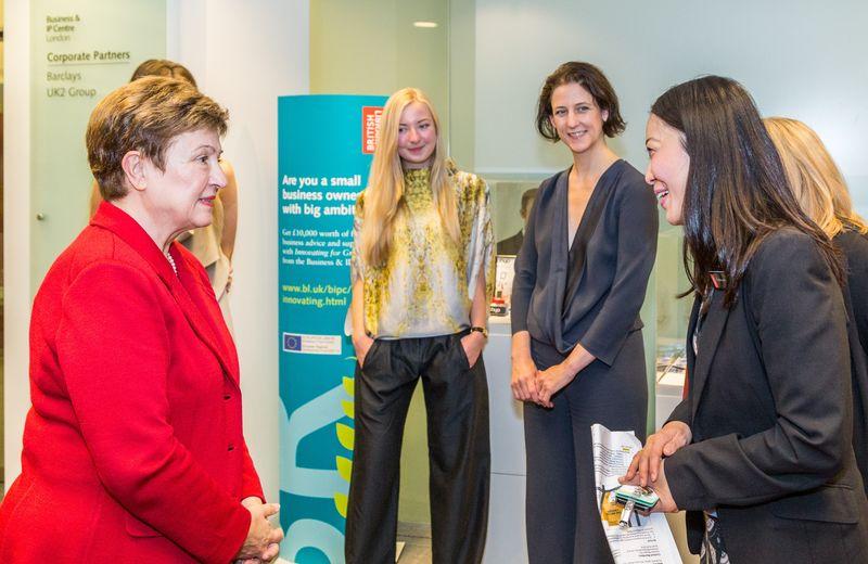 EU Vice-President Georgieva (left) with Christina Murphy - I4G team(right)