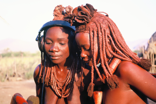 Himba 1998 girls with headphones and hairstyles