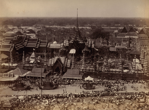 Procession of the funeral caskets of two princes to the cremation site near Wat Mahathat in Bangkok during the reign of King Chulalongkorn (r.1868-1910). Photograph from the collection of Lord Curzon, Viceroy of India (r.1899-1905). British Library, MSS EUR F111/88
