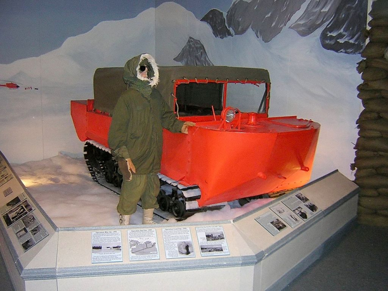 1024px-M29_Weasel_Arctic_USArmyTransMuseum