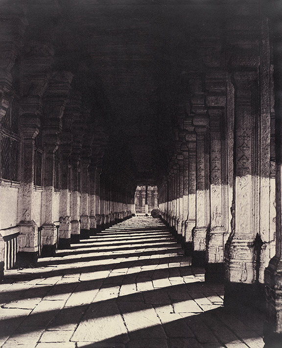 Linnaeus Tripe, Trimul Naik's Choultry, side verandah from the west, Madurai, 1858. British Library, Photo 953/2(2).
