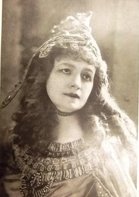 Modrzejewska Cleopatra