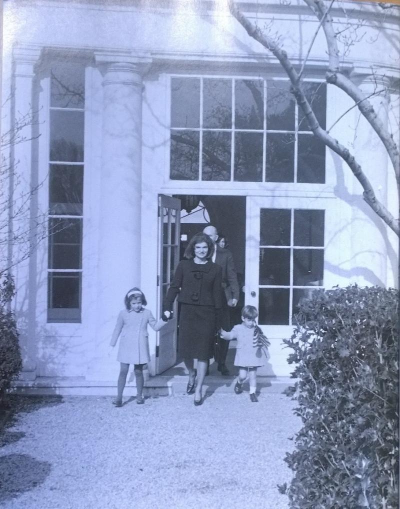 Jackie leaving White House