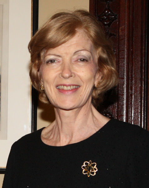Fiona_Woolf_(cropped)