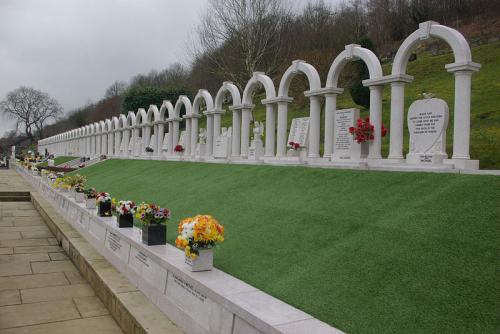 Aberfan_Cemetery_geograph-3377917-by-Stephen-McKay