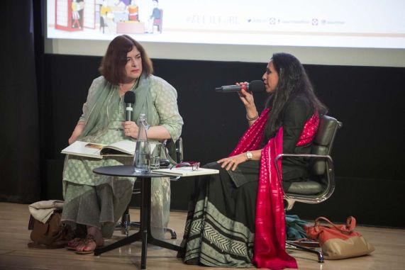Gramophone Women_Vidya Shah with Rachel Dwyer_ZEE JLF at British Library 2017_Photo by Stuart Armitt 2 - SMALLER