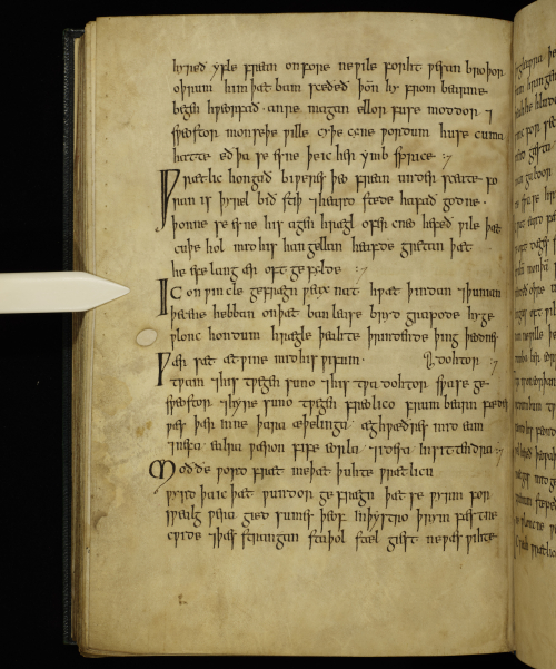 Exeter Book ff. 112v (c) University of Exeter  Digital Humanities and the Dean & Chapter  Exeter Cathedral
