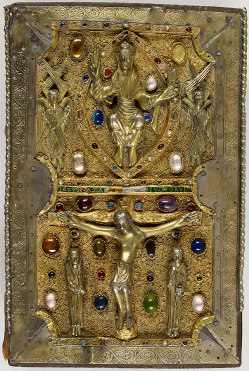 The treasure binding of the Judith of Flanders Gospels, showing the figures of Christ in Majesty and the scene of the Crucifixion.
