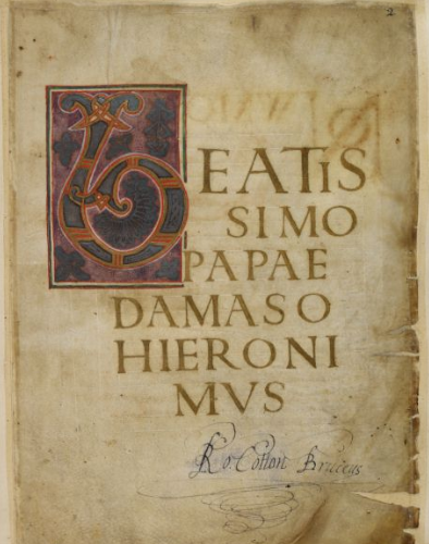 A page from the Athelstan Gospels, showing the opening of the Gospel of St Mark, with a large decorated initial, and the signature of Sir Robert Cotton in the lower margin.