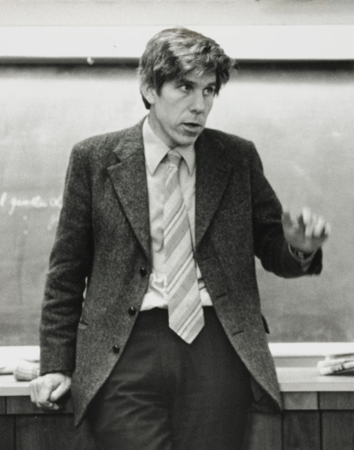 Image 2 (Blog 1) - William D. Hamilton teaching at a seminar. Harvard  1978. Copyright (c) Sarah Blaffer Hrdy