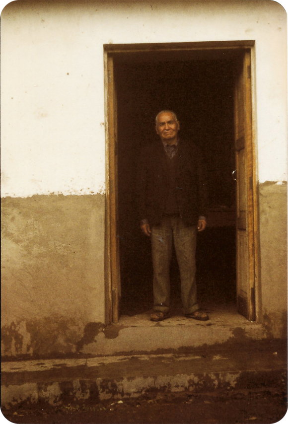 Photograph of Rafael Achomccaray Quispe at his house in San Jeronimo