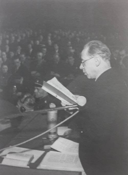 Photograph of Resler during Frank's trial