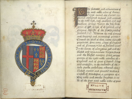 An opening at the beginning of a manuscript containing the statutes and ordinances of the Order of the Garter, with, on the left page, a full-page drawing of the royal arms of the Order: an escutcheon encircled by the blue garter and with a royal crown in gold and red on top. The escutcheon has two halves: in the left half is the red cross of St George on a silver ground, and in the right half are the quartered royal arms of Queen Elizabeth I, featuring two quarters in blue with three fleurs-de-lis in gold, and two quarters in red with three lions in gold. On the right page, we see the opening of the statutes and ordinances, marked by a gold initial 'T', and written in a Gothic script with black ink