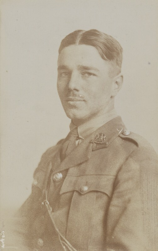Photograph of Wilfred Owen in military uniform 1916