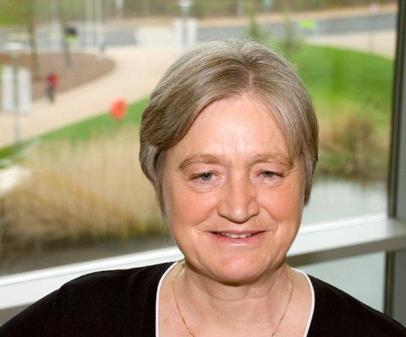 Portrait photograph of Julia Slingo