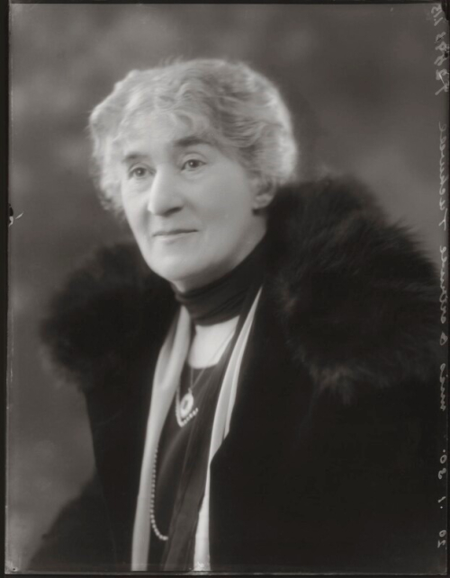 Photographic portrait of Gertrude Tuckwell