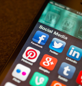 Social Media applications on Mobile device