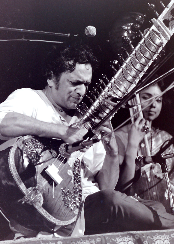 Ravi Shankar playing sitar