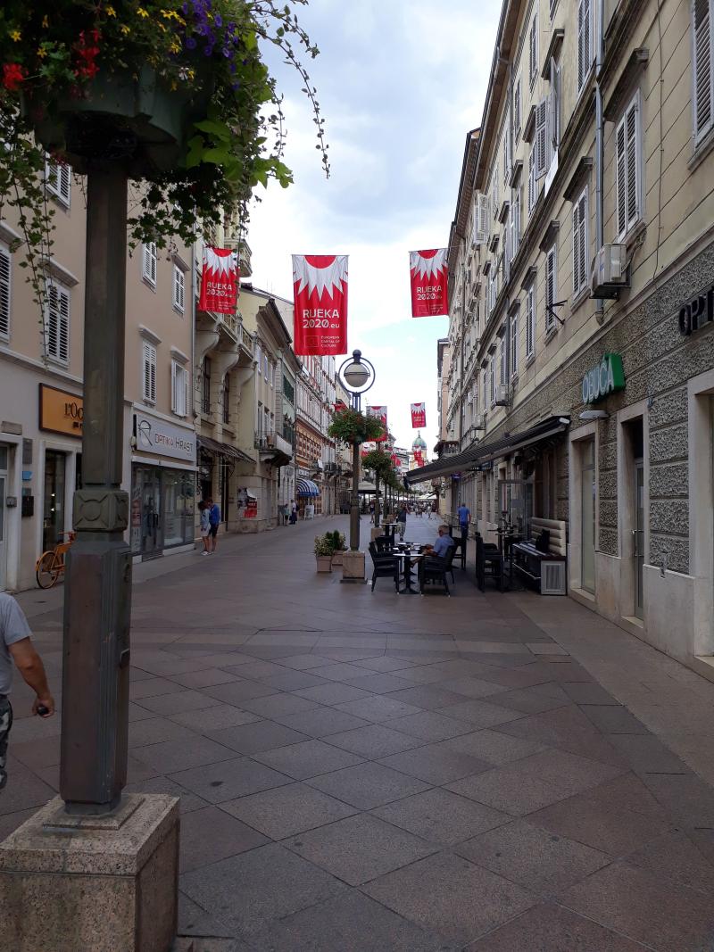 X_Riječki Korzo sa zastavama EPK
