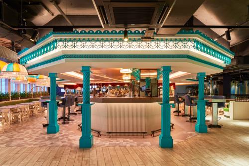 Zachary Pulman - Bandstand Bar 1 (photo by Edit Photo)