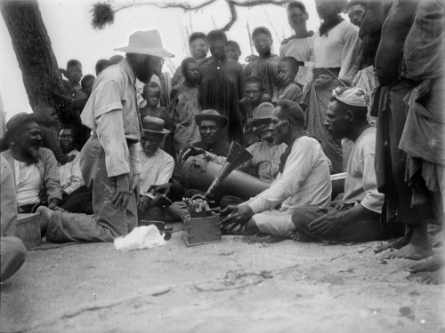 Charles Myers recording songs with Ulai and Gasu on Murray Island / Mer, Torres Strait, in 1898. Image courtesy of University of Cambridge Museum of Archaeology & Anthropology N.23209.ACH2.