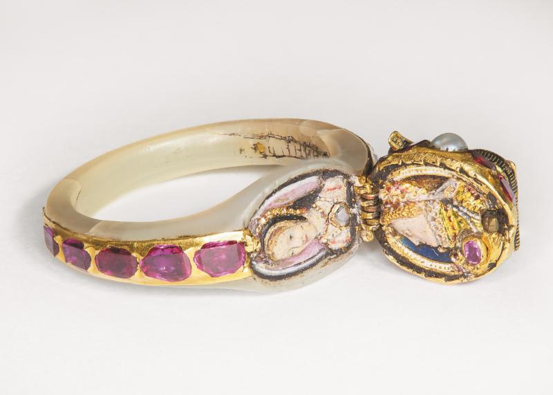 Queen Elizabeth's locket ring  c.1575 (c) The Chequers Trust